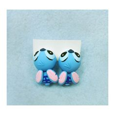 Stitch earrings simulating biting ears completely handmade with polymer clay. Cute Stud Earrings, Animal Earrings, Clay Earrings, Diy Clay, Handmade Polymer Clay, Polymer Clay Jewelry, Disney Earrings, Disney Jewelry, Lilo Y Stitch