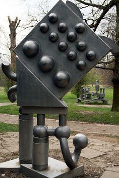 Eduardo Paolozzi Sculpture by Paul 'Tuna' Turner, via Flickr Abstract Sculpture, Sculpture Art, Industrial Sculptures, Eduardo Paolozzi, James Rosenquist, Pop Art Artists, Installation Architecture, Modern Pop Art, Roy Lichtenstein