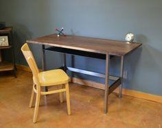 Kraftig escritorio