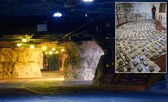 Inside the Kansas survival shelter that will save humanity from a devastating meteorite or a nuclear holocaust Survival Knife, Survival Skills, Survival Tips, Limestone Caves, Best Hunting Knives, Combat Knives, Thing 1, Best Pocket Knife, Apocalypse Survival