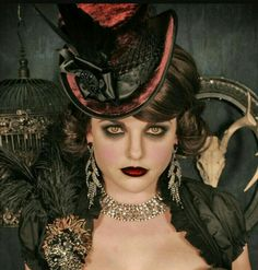 steampunk goth victorian hat on etsy - love the makeup Steampunk Makeup, Steampunk Halloween, Steampunk Hat, Steampunk Costume, Victorian Steampunk, Steampunk Fashion, Victorian Makeup, Victorian Vampire Costume, Steampunk Clothing