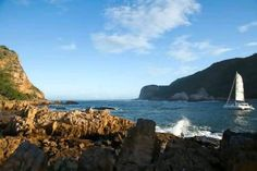 Surrounded by wooded hills, Knysna is easily explored on foot. Courtesy of South African Tourism