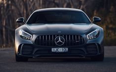 Download wallpapers 4k, Mercedes-AMG GT R, front view, 2018 cars, supercars, Mercedes