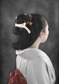 [元禄・島田](江戸時代前期)鈴木春信などの絵によく見られる髪型で、当時かなり流行ったようである\