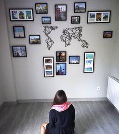 Képzeld el az új városokat, ahol el akarsz menni a világtérkép az előtt.😌 Gallery Wall, Frame, Home Decor, Homemade Home Decor, A Frame, Frames, Hoop, Decoration Home, Interior Decorating