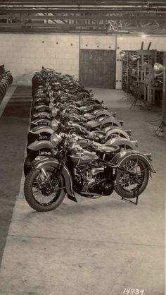 Harley-Davidson V model on factory floor Classic Harley Davidson, Vintage Harley Davidson, Harley Davidson Motorcycles, Motos Vintage, Vintage Bikes, Harley Davison, Bobbers, V Model, Hd Vintage