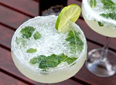 With summer on the way, there is nothing like a glass of prosecco with the BBQ. Well maybe a Prosecco Mojito too!