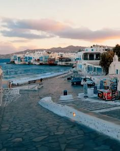 Mykonos, Grecia 🇬🇷💙 mykonos greece sun sea sunset amazing travel summer travelgram instalike instagood vscocam vsco travelphotography world Vacation Places, Vacation Destinations, Dream Vacations, Vacation Travel, Italy Vacation, Family Vacations, Santorini Travel, Greece Travel, Greece Tourism