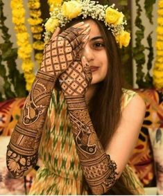 Are you looking for mehndi designs for full hands? Read on to check out mehndi designs for your wedding! Engagement Mehndi Designs, Latest Bridal Mehndi Designs, Back Hand Mehndi Designs, Modern Mehndi Designs, Mehndi Design Photos, Wedding Mehndi Designs, Beautiful Mehndi Design, Dulhan Mehndi Designs, Latest Mehndi