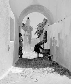 Albufeira in the By Artur Pastor Casas No Algarve, Old Pictures, Old Photos, Vintage Photography, Street Photography, Portuguese, Black And White Photography, Tumblr, Artwork