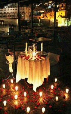 🦹🏾♂🦹♀Romantic Surprise for him? 🦹🏾♂🦹♀Romantic Surprise for him? Romantic Surprise, Romantic Evening, Surprise Date, Romantic Proposal, Perfect Proposal, Surprise Ideas, Surprise Proposal, Romantic Things, Romantic Dinners
