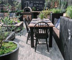 Landscape designer Victoria Wade's 'Alfresco' garden featuring an outdoor kitchen won a Go.