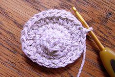 くまモチーフの編み方 [かぎ針編みレシピ・編み図と手芸雑貨のお店 Ronique] Polar Bear, Free Pattern, Dolls, Knitting, Crochet, Handmade, Amigurumi, Baby Dolls, Hand Made