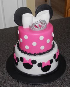cute cakes for 12 year olds | cute little minnie mouse theme cake for a cute little 3 year old awwww ...