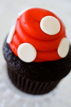 awesome little mushroom cupcakes - maybe with white chocolate chips point side down