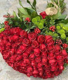 Beautiful Flowers Garden, Beautiful Flower Arrangements, Romantic Flowers, Beautiful Roses, Flower Box Gift, Flower Boxes, Flowers For Girlfriend, Rose Flower Wallpaper, Happy Birthday Flower