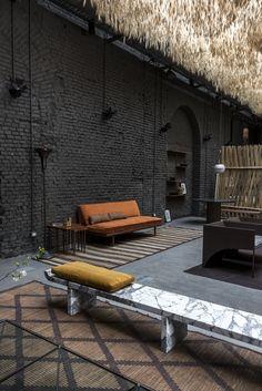 Six Gallery, un design holistique - The Socialite Family Loft Interior, Interior Design Tips, Interior Inspiration, Interior Architecture, Interior And Exterior, Espace Design, Loft Design, House Design, Design Design