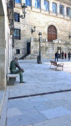La Plaza de la Paja #Madrid el lector tranquilo #CallejeandoMadrid pic.twitter.com/rkns3hPUV0