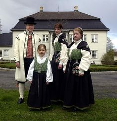 Bunads from Østfold, Norway