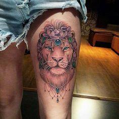 Tatuagem feita por  @diogorochatattooer ❤ Lion #liontattoo #leaotattoo #tatuagensfemininas #tattoo2me #inspirationtattoo