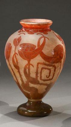 LE VERRE FRANÇAIS Spirales, circa 1923/26<br/>Important vase sur pié Art Deco, Art Nouveau, Épinay Sur Seine, France, French Art, Glass Art, Crystals, Vases, Encaustic Tile