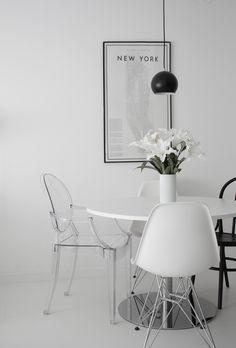 Esszimmer Stühle: Klares Design und viel Minimalismus dominieren bei Johanna den Essbereich. Ihre neustes Mitglied bei der Stuhl-Party: der Louis Ghost Chair von Kartell | #connox #beunique