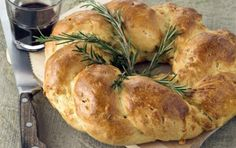 Cheese bread with rosemary Greek Bread, Croissant Donut, Greek Easter, Greek Dishes, Cheese Bread, Greek Recipes, Different Recipes, Turkey, Healthy Eating
