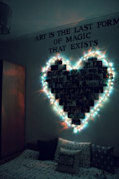 Dorm Room Inspiration - Whether, if you're living in a dorm you've probably come across the challenge of decorating the tiny, character-free space. Cute Room Ideas, Cute Room Decor, Teen Room Decor, Room Decor Diy For Teens, Wall Decor, Diy Wall, Cool Teen Bedrooms, Girls Bedroom, Hippie Bedrooms