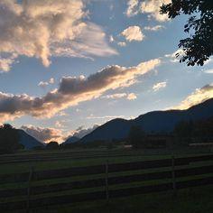 #Aussicht #himmel #berge #affenhausen #urlaub in #tirol #miemingerplateau #schoenwetter #schoen Celestial, Photo And Video, Sunset, Outdoor, Instagram, Mountains, Environment, Heavens, Weather