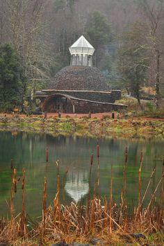Huilo Huilo - Neltume, Los Rios, Chile Sur Chile, Places To Travel, Travel Tips, Outdoor Structures, Travelling, Explore, Landscape, City, World