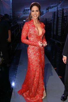 Feliz Viernes Ven A Ver Las Mejor y Peor Vestidas Anoche En Los Latin Grammys !!! http://bravechica.com/2013/11/22/my-picks-for-best-worst-dressed-ladies-at-last-nights-14th-annual-latin-grammy-awards-las-mejor-y-peor-vestidas-en-los-latin-grammys-2013/ @BraveChica #latingrammys #Moda #estilo #viernes #tgifriday #Lucero