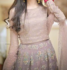 Latest Pakistani Dresses, Beautiful Pakistani Dresses, Pakistani Fashion Party Wear, Pakistani Wedding Outfits, Pakistani Dress Design, Lehenga Designs, Kurta Designs, Fancy Dress Design, Bridal Dress Design