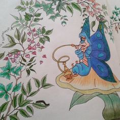 """Pediram pra desenhar borboletas e lagartas. .. aí fiz dois em um! #jardimsecreto…"""""""