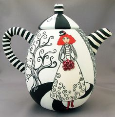 Cute teapot...i may start collecting teapots.