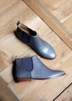 Sézane - I love these. and blue! Fancy Shoes, Pretty Shoes, Blue Shoes, Me Too Shoes, Shoe Closet, Shoe Bag, Chelsea Ankle Boots, Converse, Shopping