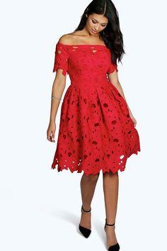 1b790e5c4f19 Boutique Lisa Off Shoulder Lace Skater Dress Konståkningsklänningar,  Chemiseklänning, Festklänningar, Spets, Klänningar
