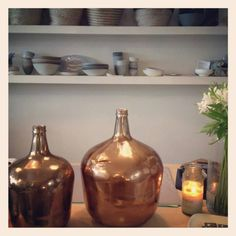 Copper painted glass. No instructions, just pretty.