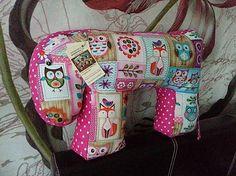 HEDERVIGA / JOHANKA - hravé sovičky ružové ...skladom ! Cute Pillows, Baby Car Seats, Children, Boys, Kids, Big Kids, Children's Comics, Sons, Kid