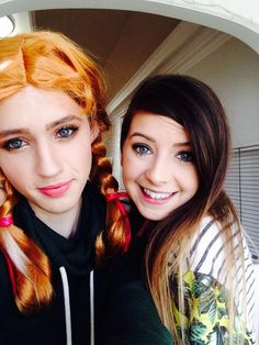 OH MY GOD IS THAT TROYE IN A WIG AND MAKEUP WITH ZOELLA<<< guys Troye is gorgeous as a female I'm not even kidding