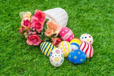 Easter flowers and painted eggs Truck Bed Liner, Turf Installation, Share Pictures, Animated Gifs, Amazing Greens, Easter Flowers, Artificial Turf, Soft Classic, Rose Bouquet