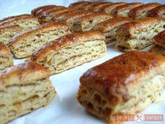 A tepertős pogácsát nincs is talán, aki ne ismerné és ne szeretné. Ez a rudacska a hagyományos pogácsa kicsit modernebb változata. Tepertőkrémes rudacskák recept Készítsd el akár 2, vagy 12 főre, a Receptvarazs.hu ebben is segít! Hungarian Recipes, Hungarian Food, Snack Recipes, Snacks, Ham, Banana Bread, Healthy Life, French Toast, Bakery