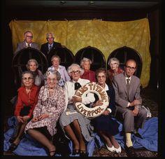 Titanic Survivors © Abe Frajndlich. En 1988, Abe Frajndlich fut commissionné par la Titanic Survivors Society pour photographier des survivants encore en vie du naufrage. Une dizaine vinrent à la séance de prise de vue.