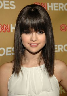 This year the long bob hairstyles are in vogue. All the models wear it ... - More Hair Style at Stylendesigns.com!