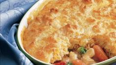 Hearty Chicken Pot Pie Recipe from Betty Crocker. Added 2 cans of soup and extra biscuit mix. So yummy! Homemade Chicken Pot Pie, Cream Of Chicken Soup, Creamy Chicken, Cooked Chicken, Boil Chicken, Chicken Chile, Chicken Potpie, Peanut Chicken, Chicken Broccoli