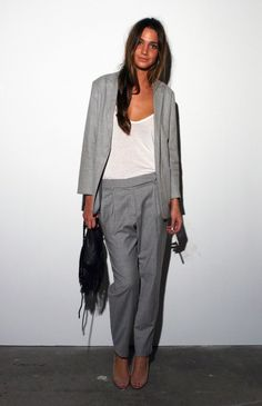 Image from http://www.theurbansilhouette.com/wp-content/uploads/2013/12/grey-outfit-model.jpeg.