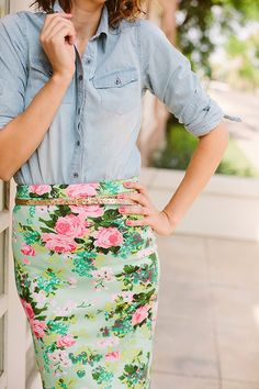 mint floral pencil skirt with light blue chambray shirt and gold skinny belt #style #bright