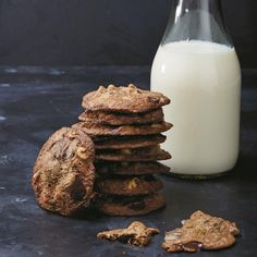 Clean Chocolate Chip Cookies http://www.prevention.com/food/8-clean-eating-comfort-food-recipes/clean-chocolate-chip-cookies