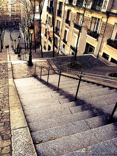 Stairs running up the Montmartre hill in Paris, #Montmatre, #Paris © Eric Pouhier, de.wikipedia