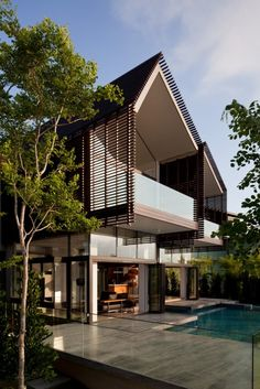 Ideas for house facade design dream homes architecture Architecture Durable, Wooden Architecture, Tropical Architecture, Facade Architecture, Residential Architecture, Singapore Architecture, Beautiful Architecture, Modern Tropical House, Tropical House Design