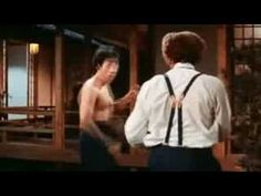 Jackie Chan VS Bruce Lee - YouTube